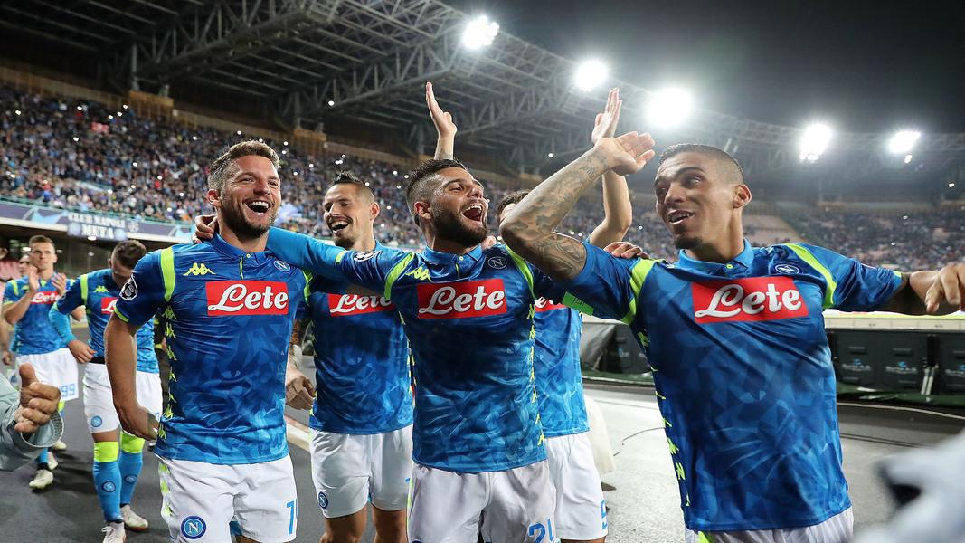 L'esultanza del Napoli dopo la gara contro il Liverpool