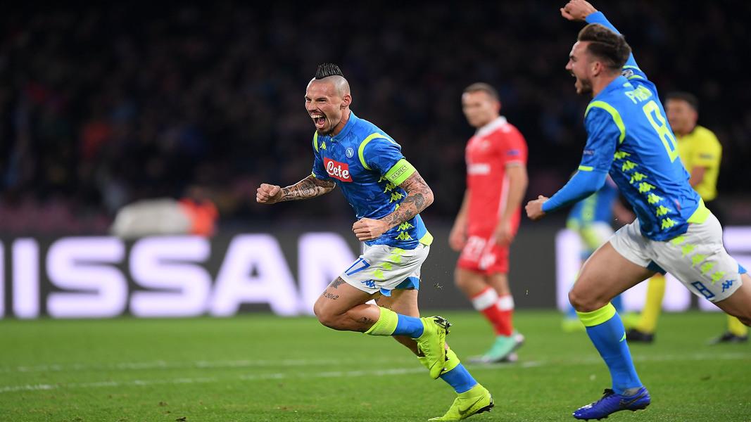 Marek Hamsik esulta dopo un gol
