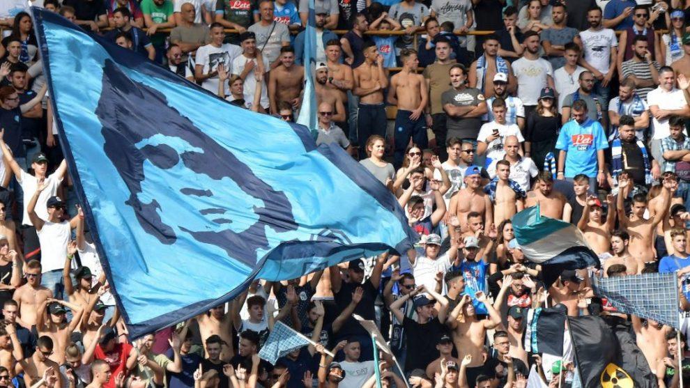 Lazovic risponde a Mertens: il Genoa pareggia a Napoli in inferiorità numerica